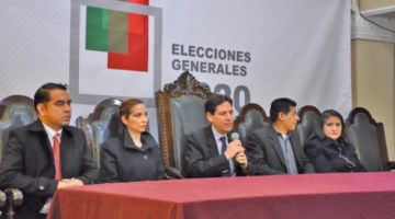 El TSE aclaró que aún análiza la candidatura de Evo Morales Aima