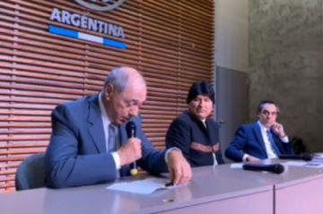 Evo Morales se refiere a su inhabilitación como candidato a senador