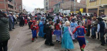 Estudiantes festejaron el Jueves de Comadres