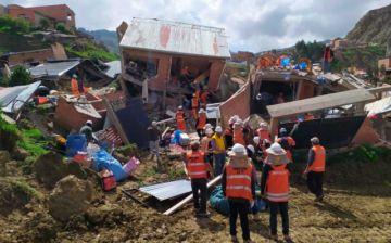 Kella Kella: Ayudan a recuperar enseres tras deslizamiento