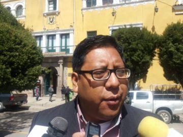 Asambleísta cuestionar acciona de Marco Pumari