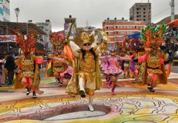 Gobierno defiende Carnaval boliviano