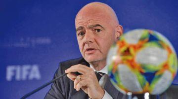 FIFA descarta partidos de fútbol a puerta cerrada por virus