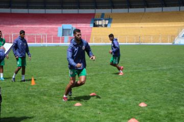Domínguez jugará condicionado ante Bolívar