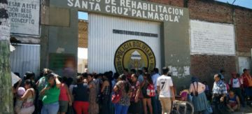 Trasladan a Palmasola a reo brasileño que activó una granada en un penal