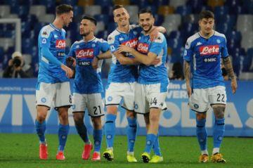 Kostas Manolas prolonga el crecimiento del Nápoles