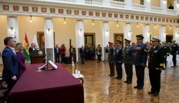 Presidenta Jeanine Áñez cambia al comandante general del Ejército