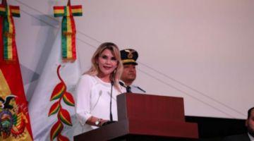 Áñez anuncia hallazgo de un campo de gas en Chuquisaca y un pozo de petróleo en Santa Cruz