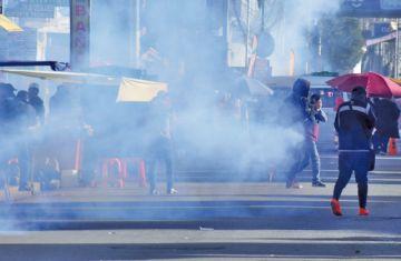 El Alto: protesta y gasificación tras presencia de Añez en acto cívico