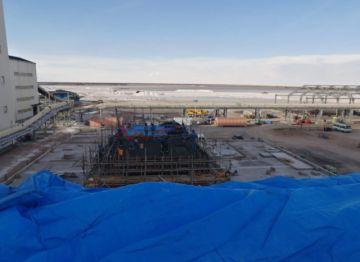 Denuncian la violación de derechos en planta de litio