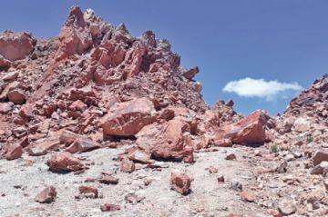 Expertos piden parar parte de trabajos del Cerro Rico de Potosí