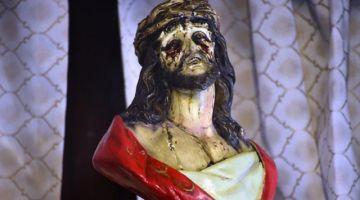 Creyentes del Cristo que Llora dan gracias por la salud y la fe