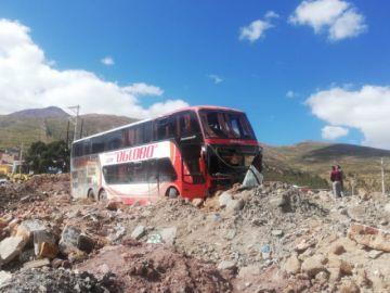 Un bus sufre accidente al ingreso a la ciudad
