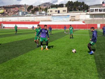 El técnico Ferrufino se enfoca en mejorar el trato del balón en Real Potosí