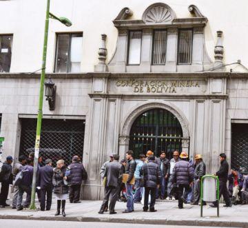 Cívicos analizan con el Gobierno traslado de la sede de Comibol