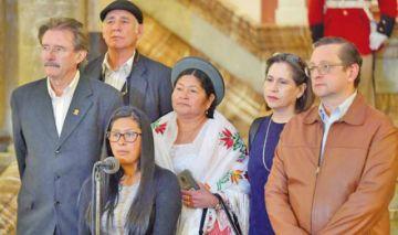 "Parlamento ingresa a  una ""pausa  política"""