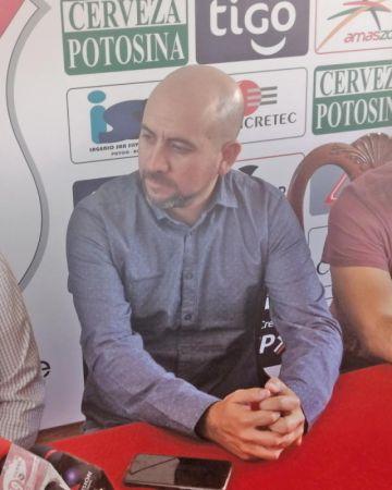 Ferrufino dirigirá su octavo derbi mientras que Núñez debutará en el banco de la banda roja