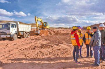 El Gobierno garantiza recursos para el aeropuerto de Potosí