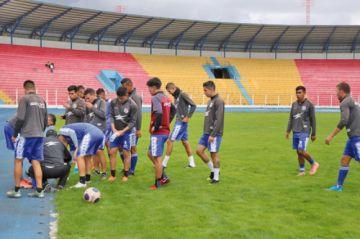Los 14 clubes profesionales suspenden sus entrenamientos