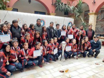 Condecoran a las campeonas de la Copa Integración Nacional