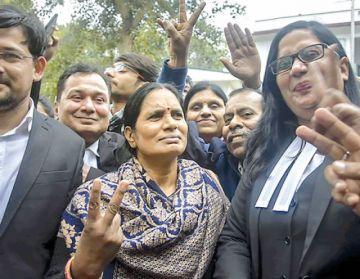 Ejecutan a cuatro violadores en la India