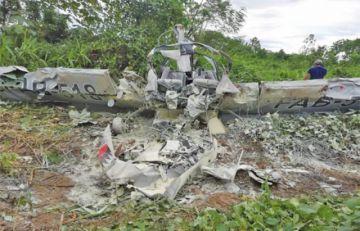 Cae avioneta de la FAB y mueren 2 oficiales en Chimoré - Cochabamba