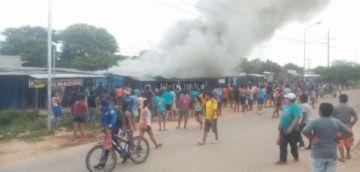 Santa Cruz: un incendio en un mercado del Plan 3.000 afecta a seis casetas