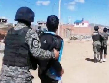 Arrestan a 73 personas en urbanización Pumas Andinos de Oruro