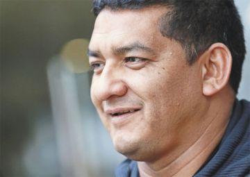 El vicepresidente de la Federación Boliviana de Fútbol llegó hasta las lágrimas tras ser liberado