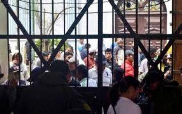 Defensoría pide decretar indulto para reducir hacinamiento en cárceles