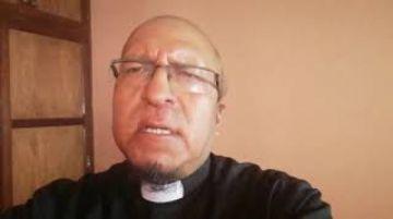 El padre Miguel Albino comparte una oración para hoy jueves