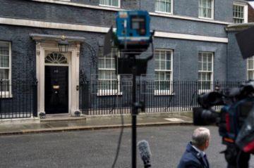 Boris Johnson es trasladado a cuidados intensivos al empeorar su salud