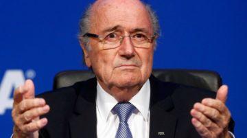 """Blatter niega sobornos y habla de decisión """"política"""" en atribución de Mundiales 2018 y 2022"""