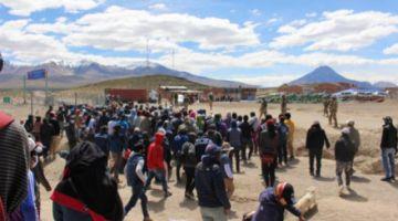 Tensión en la frontera con Chile, más compatriotas intentan ingresar al país