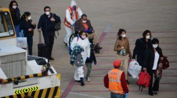 Los bolivianos que llegaron de Chile serán aislados y sometidos a protocolos de bioseguridad