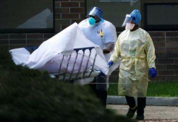 EE.UU. supera los 400.000 casos y las 13.000 muertes por COVID-19