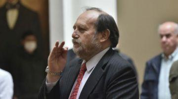 Áñez cambia al ministro de Salud en plena emergencia; Cruz deja el cargo y asume Navajas