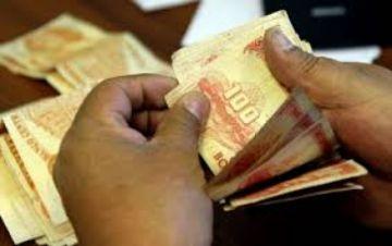 Diputados proponen bajar el sueldo a los funcionarios para pagar un bono a los que no tienen trabajo