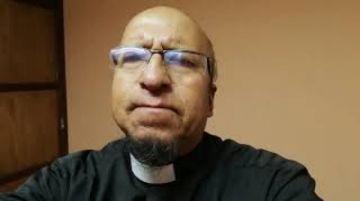 El padre Miguel Albino comparte su oración de Jueves Santo
