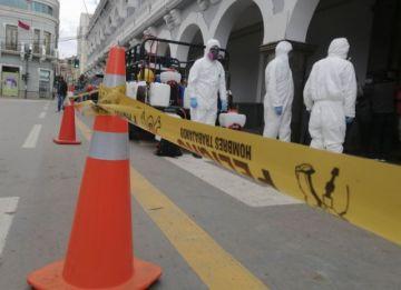 Oruro amplía cuarentena, Santa Cruz se militariza el martes y gabinete esperará