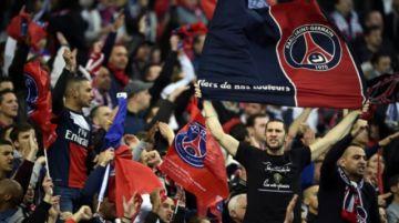 Hinchas de Francia rechazan que el fútbol vuelva a puerta cerrada