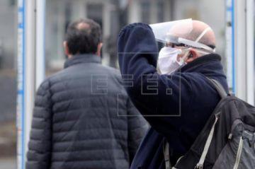 Vuelven a caer las muertes y los contagios por COVID-19 en España