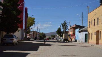 Casi todo un pueblo asistió al velorio y entierro de fallecido por COVID-19 en Oruro