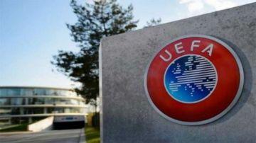 La UEFA tiene en vista reanudar los torneos en julio y la Champions League en agosto