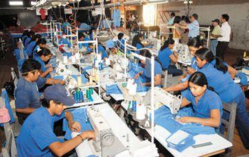 Gobierno dará préstamos a empresas para sustentar salarios y empleo