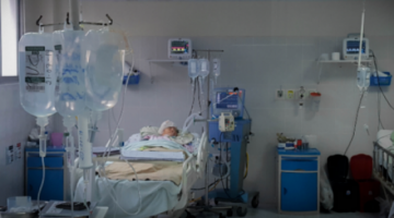 COVID-19: intensivistas censuran a galenos que promuevan terapias con fármacos en prueba
