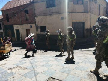 Militares muestran su solidaridad con las señoras