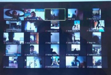 Entrenadores en Perú dirigen prácticas mediante videollamadas