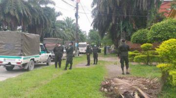 Policías permanecen en Umopar y cocaleros buscan diálogo