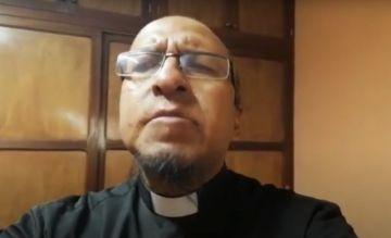 El padre Miguel Albino comparte su oración en domingo